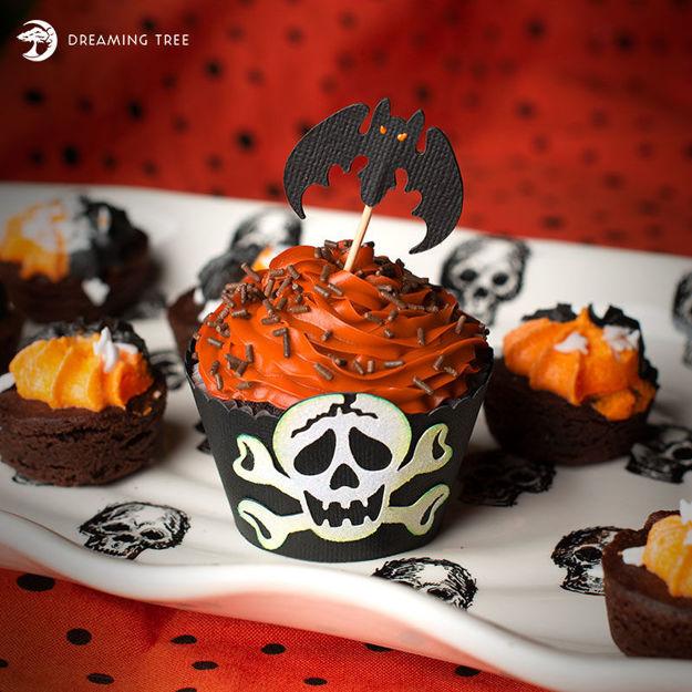 Halloween Cupcake Wrapper (Free SVG)