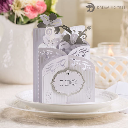 Picture of Lily Cascade Card SVG