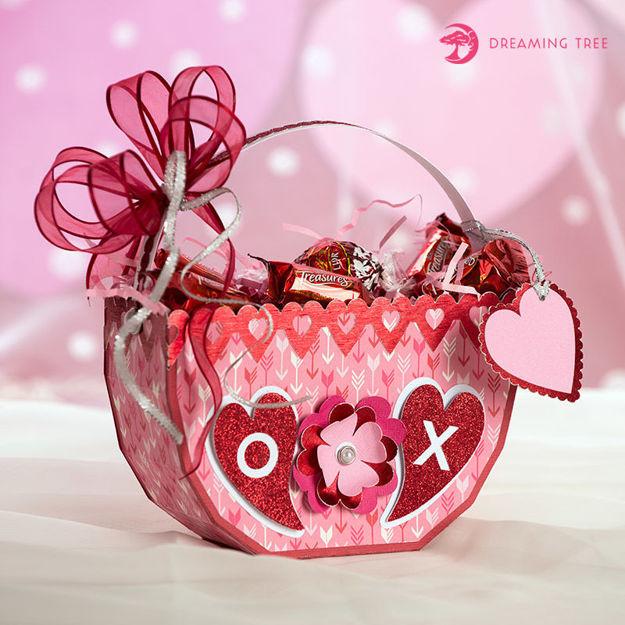 Picture of Valentine's Treat Basket SVG